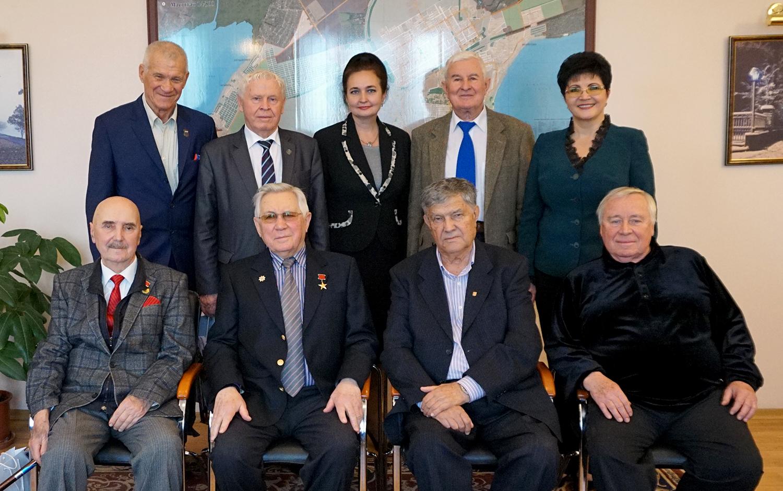 Глава города Таганрога Инна Титаренко встретилась с Почетными гражданами Таганрога